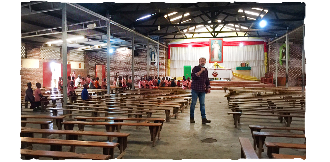 Surprising Kirchenbeschallung In Afrika Phoenix Beschallt Kirche In Ruanda Dailytribune Chair Design For Home Dailytribuneorg